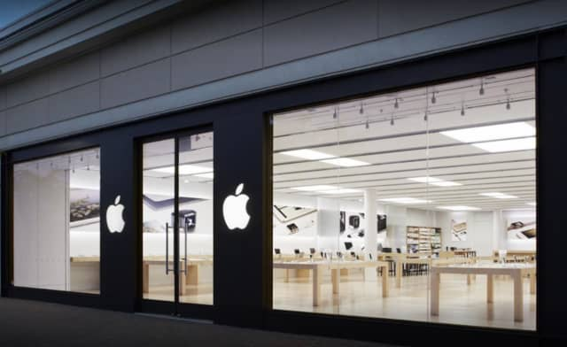 Four men took an unspecified amount of merchandise from the Woodcliff Lake Apple store, police said.