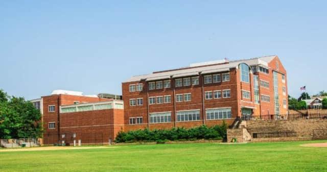 Carlstadt Public School