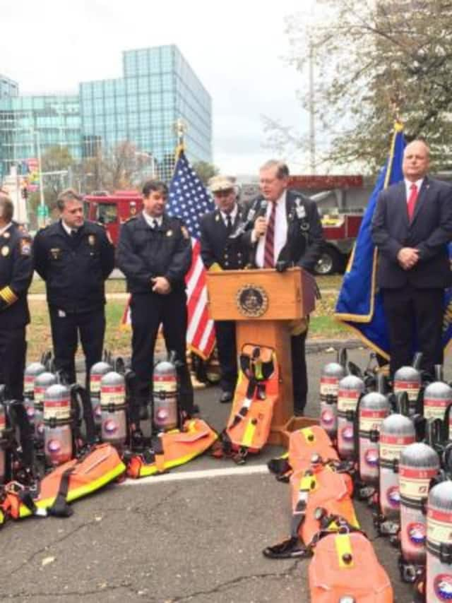 Stamford Mayor David Martin and Fire Chief Trevor Roach announced the purchase and future use of new breathing apparatus for the entire Fire Department.