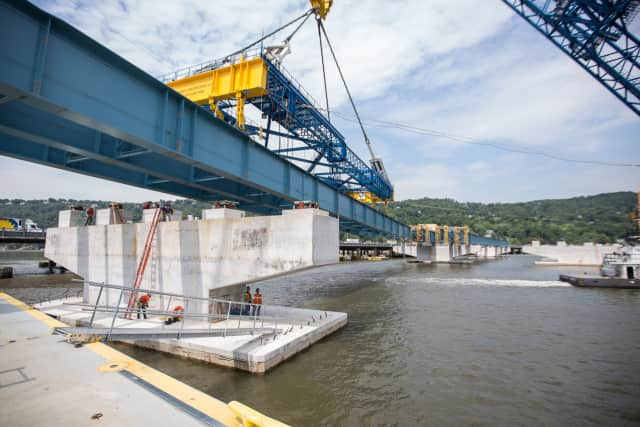 Tappan Zee Bridge dredging finishes a month ahead of schedule.