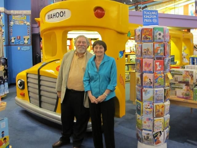 """The Magic School Bus"" author Joanna Cole and illustrator The creators of The Magic School Bus series: illustrator Bruce Degen at the Scholastic Store in New York City ."