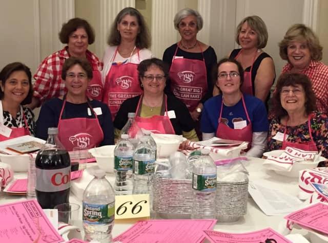 (from left): Lynne Graizel, Jamie Rubin, Linda Horowitz, Lynn Chaiken, Micki Grunstein, Jill Kantor, Amy Abrams, Risa Rosenberg, Sarah Goldberg and Marilyn Shapiro.  Missing is Jocelyn Inglis