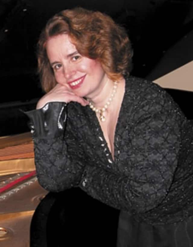 Pianist Christina Kiss will perform on Sunday, Nov. 8