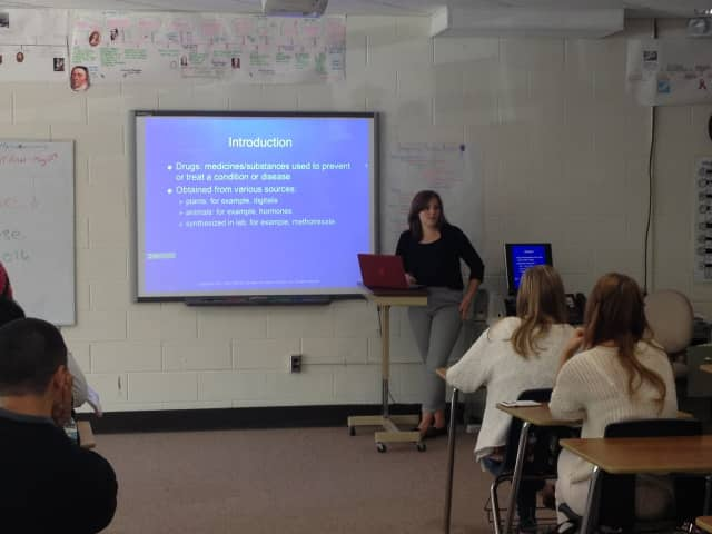 Alumna Christina Zupan recently visited New VIsions Health students to discuss pharmacology.