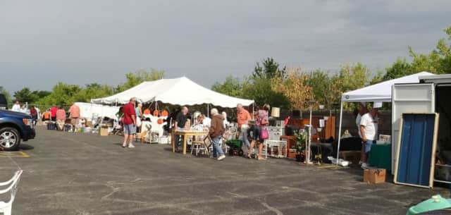 A community garage sale is coming to Elmwood Park in May.