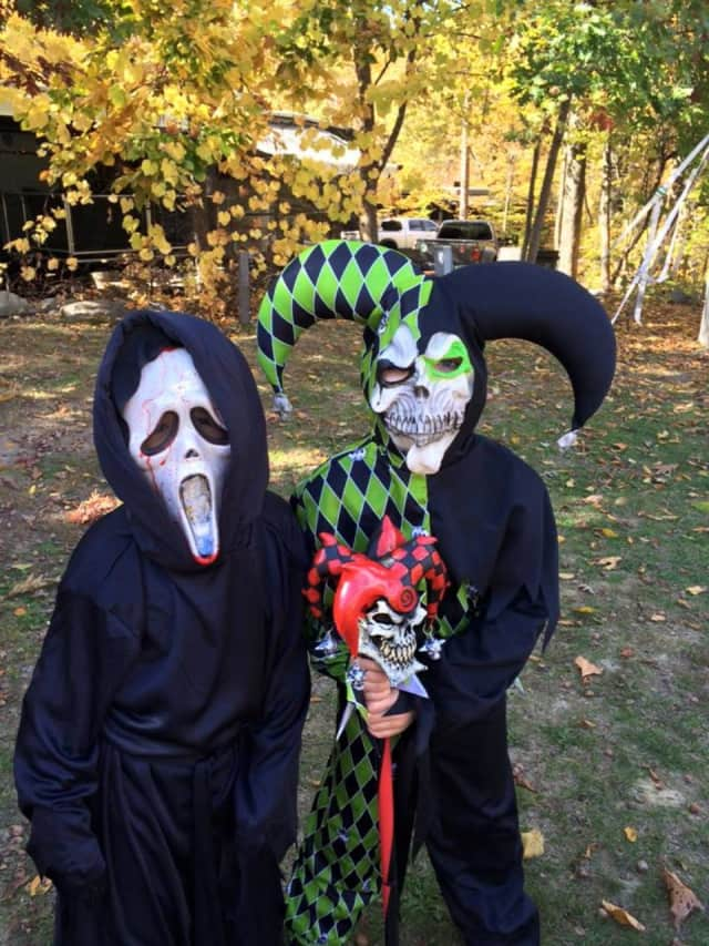 The Ridgewood Guild will host a costume parade on Halloween.