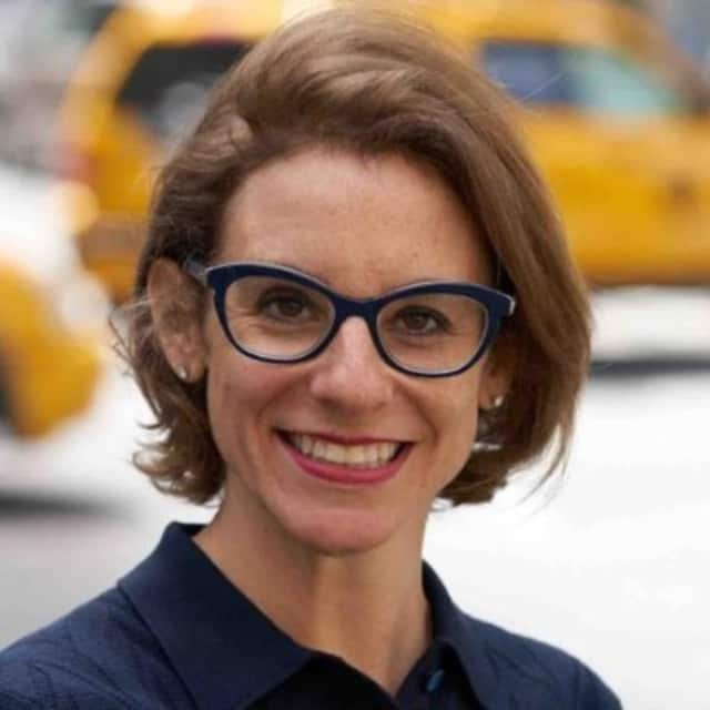 Amanda Craig, PhD, a licensed marriage and family therapist is the Clinical Director and Supervisor of Manhattan Marriage and Family Therapy. The practice offers therapy for drug addiction and recovery, family healing, and couples.