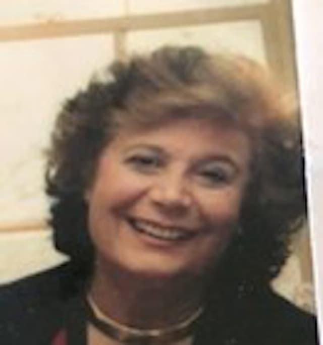 Sandra Papone