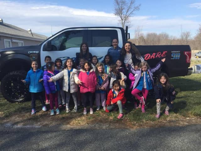 Daisy Troop 96978 visited the Upper Saddle River Police Department.