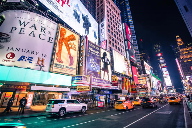 Broadway lovers anxious to see the bright lights flick back to life will need to have a COVID-19 vaccine and mask in order to attend any show.