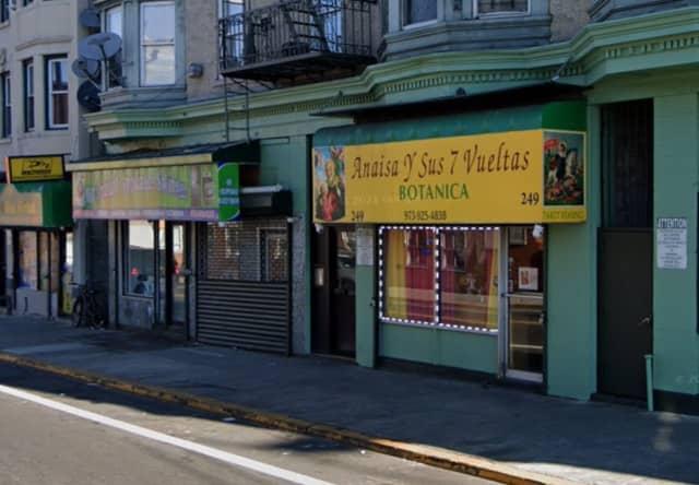 Botanica Anaisa Y Sus 7 Vueltas, Straight Street, Paterson