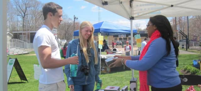 The Northern Valley Earth Fair is looking for vendors and volunteers.
