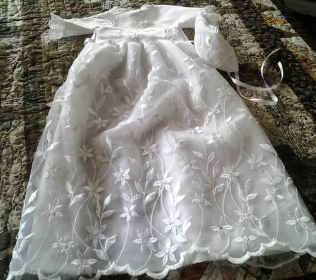 Angel Gowns Turn Wedding Dresses Into Clothes For Stillborn Babies ...