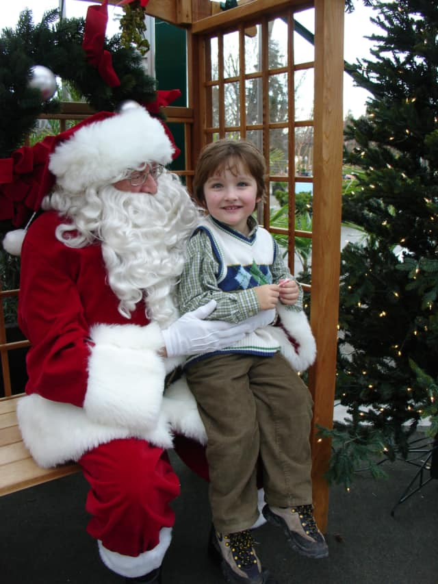 Dine with Santa this holiday season at Dante's in Leonia.