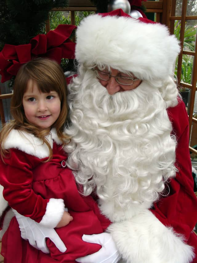 Santa will visit Midland Park in a donations event for needy youngsters.