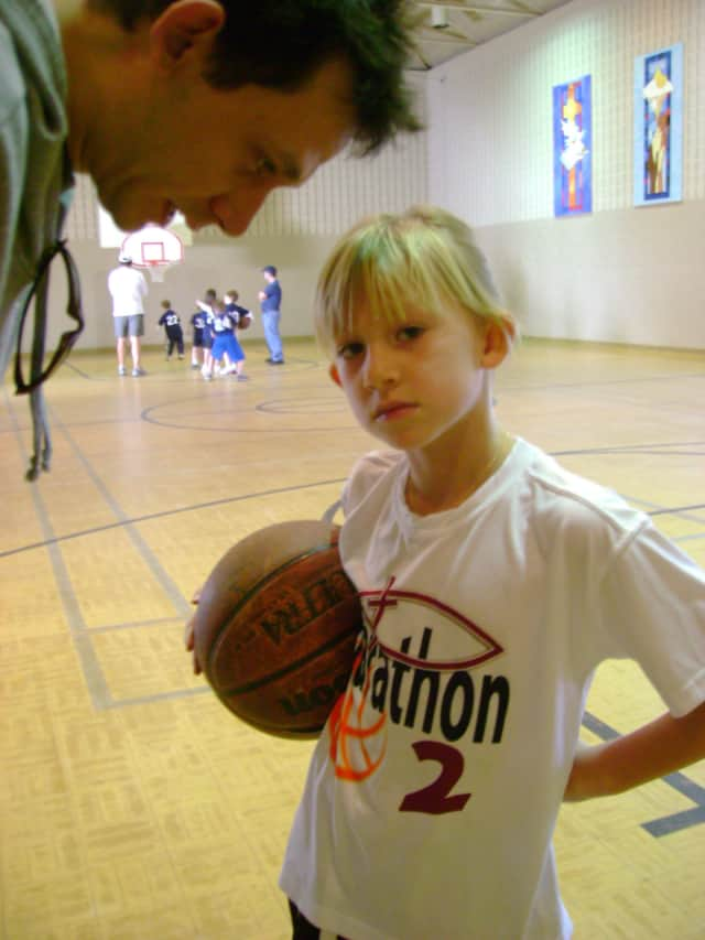 Edgewater Community Center will offer coed basketball for youngsters in January.