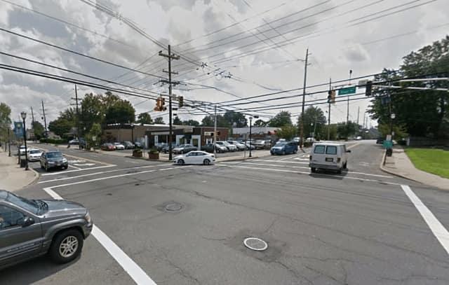 Berdan Avenue and River Road