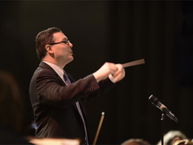 Frank Martignetti, choral director at the University of Bridgeport, has been named a finalist for the Americn Prize.