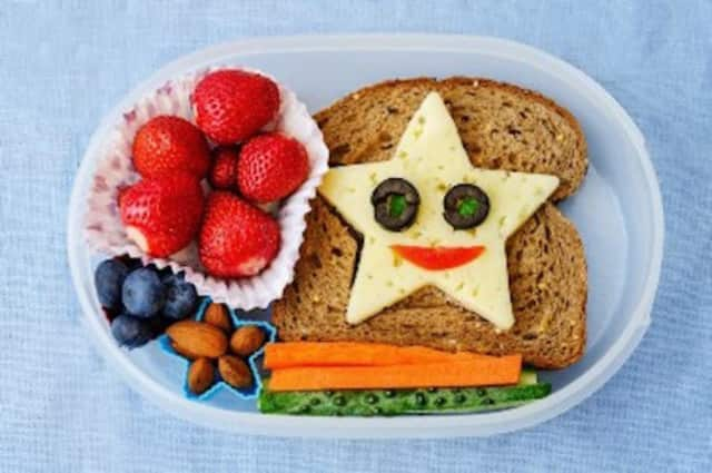 Who says school lunches have to be boring? With a bit of planning, meals can be as yummy as they are healthy.