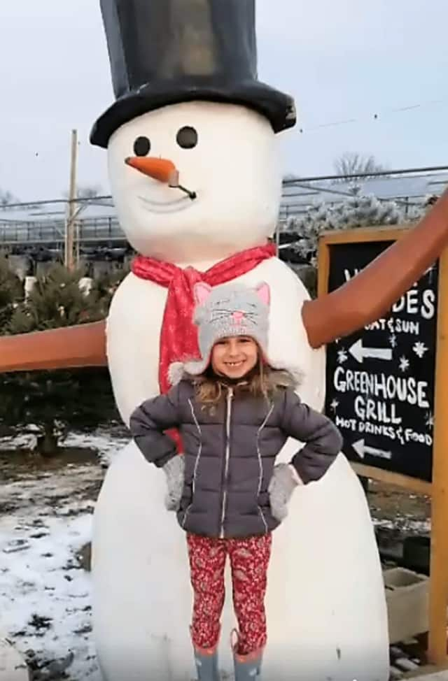 """Gary Silberstein and his 4-year-old daughter joined the throngs at the farm. Secor supporters rallied around Sliberstein's """"Mahwah Moms and Dads"""" Facebook page."""