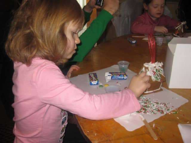 Families can gather at the Wanaque Library to make gingerbread houses. Registration is required.