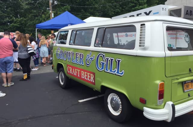 Growler & Gill will offer two beer samplings on Thursday and Friday in celebration of the Belgian Independence Day.