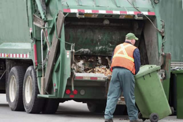 Fair Lawn has awarded their recycling contract to garbage collection service Cali.