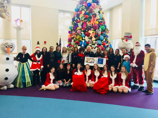Heavenly Productions performed a holiday show at Maria Fareri Children's Hospital.
