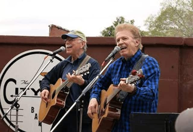 Entertainment will be provided by Al Craven and Bob Kenison of Those Weasels, who perform Irish tunes and golden oldies.