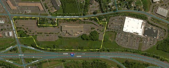 An aerial photo of the proposed site for a casino along I-91 in East Windsor.