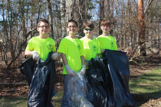 Wyckoff residents are cleaning up their town, and hundreds participated in the recent township cleanup event.