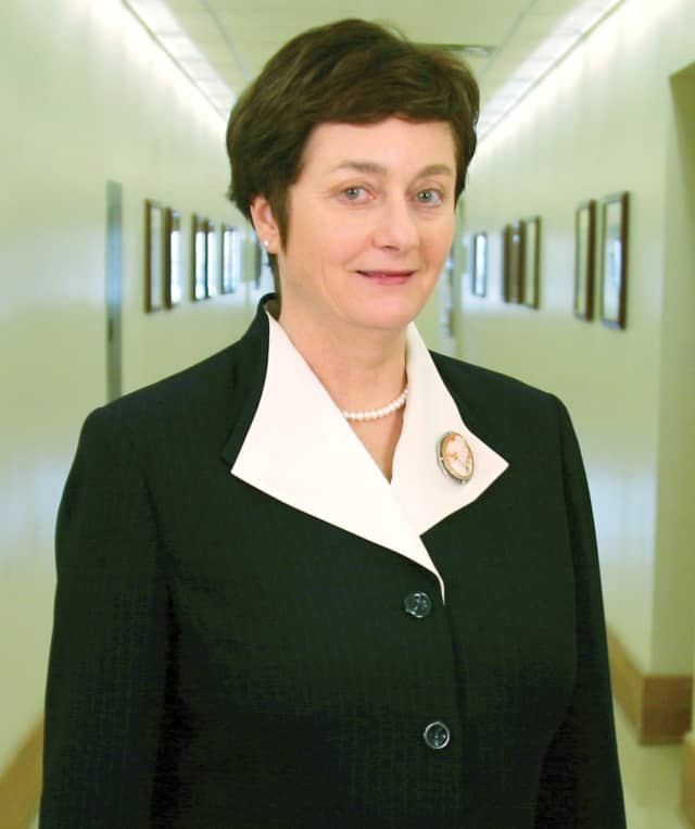 Dr. Beverly Kahn
