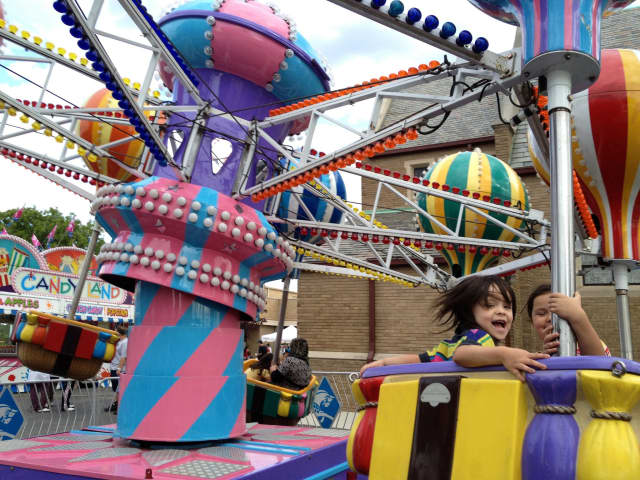 The Oakland carnival is coming next week -- and you can get discounted ride-wristbands now.