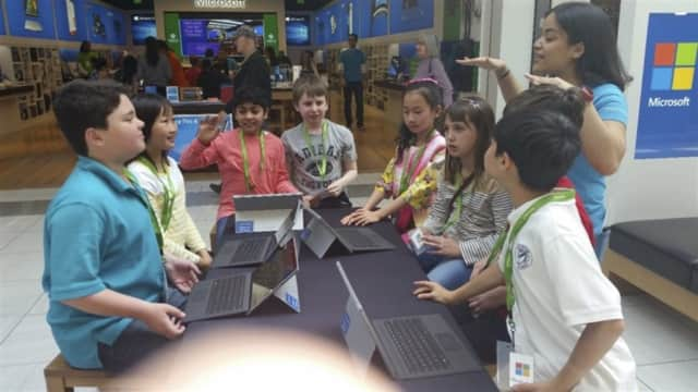 Saddle River Day School students took a trip to the Microsoft store in Wayne.