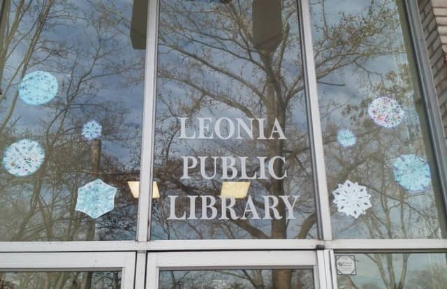 An open mic night with writers, poets and musicians takes place Jan. 8 at Leonia Library.