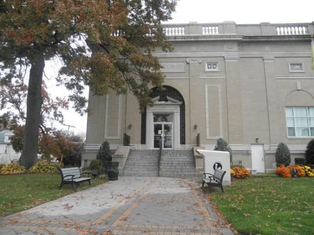 Lyndhurst Library