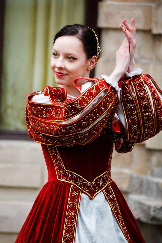 Church of the Atonement will host a folk dancing class Nov. 15.