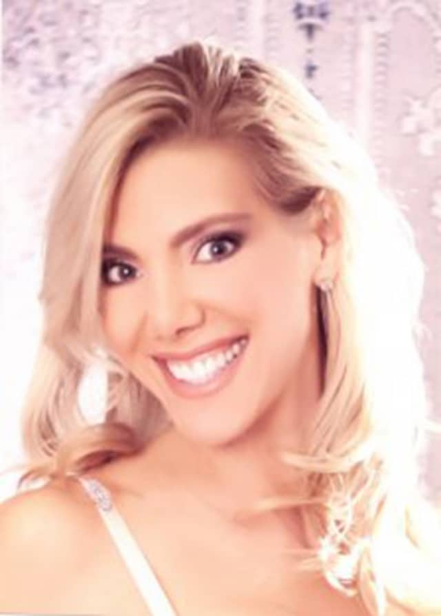 Bethel resident Roxanne Doyon was recently named Mrs. Connecticut and will compete for the title of Mrs. International next summer.