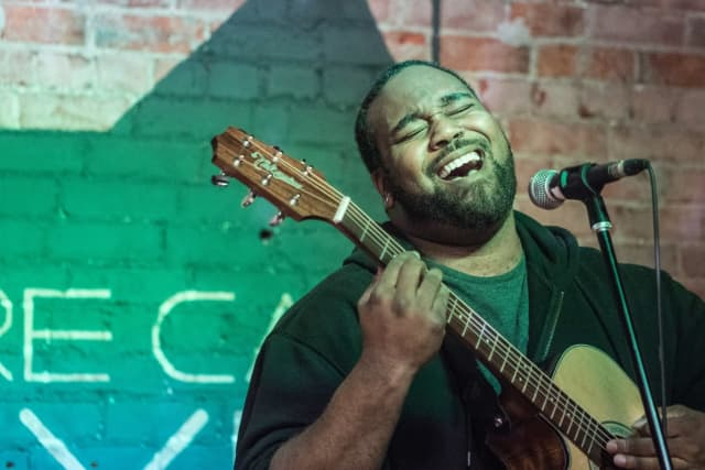 Singing photo illustration