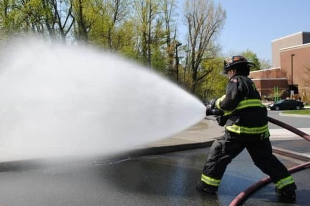 Sleepy Hollow firefighters are hosting a car wash fundraiser this weekend.