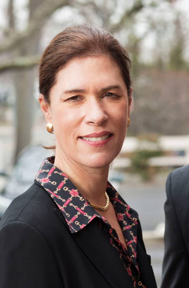Heidi DeWyngaert, president of the Bank of New Canaan, was named to the Connecticut Housing Finance Authority.