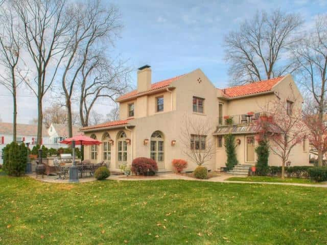 This Mount Vernon home is selling for more than $700,000.