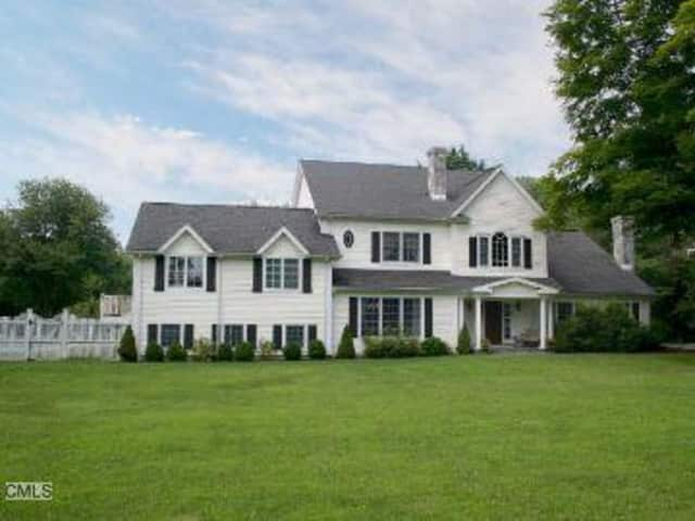 This single family home in Ridgefield sits on 2.21 acres sold for nearly $1.2 million this past week.