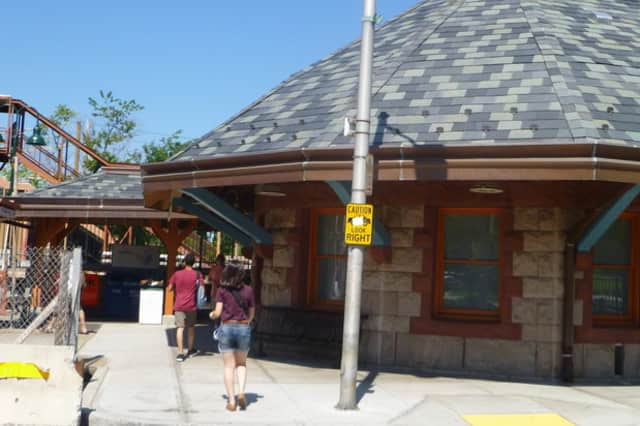 A $250,000 state grant will reimburse Tarrytown for more than 160 parking spaces it built near the Tarrytown Train Station in 2011.
