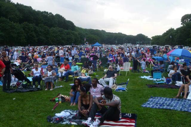 Thousands of Westchester residents braved muggy weather Wednesday evening for the county's annual Fourth of July fireworks show at Kensico Dam Plaza in Valhalla.