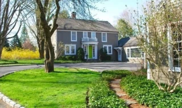 The property at 941 Ridgefield Road in Wilton recently sold for $929,000.