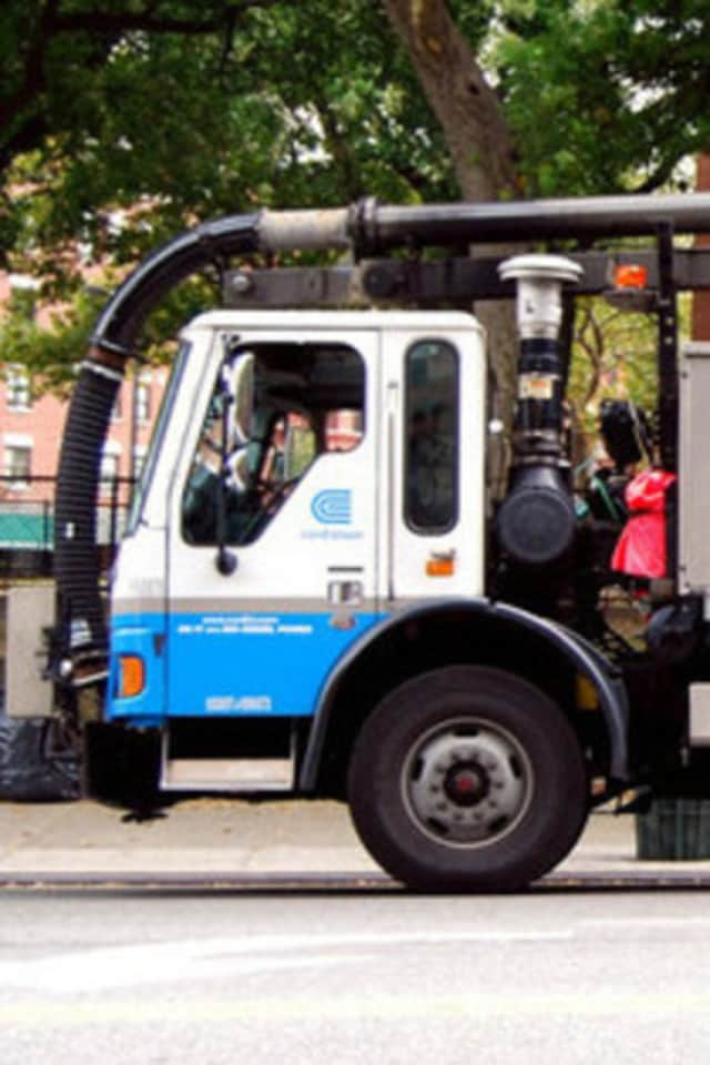 Con Edison began replacing gas mains on Crane Road Monday.