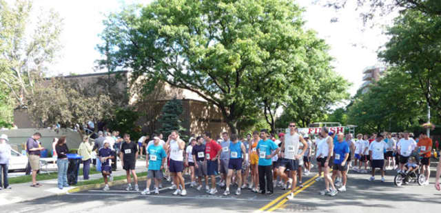 Competitors at the start of last year's Tuckahoe Road Race.