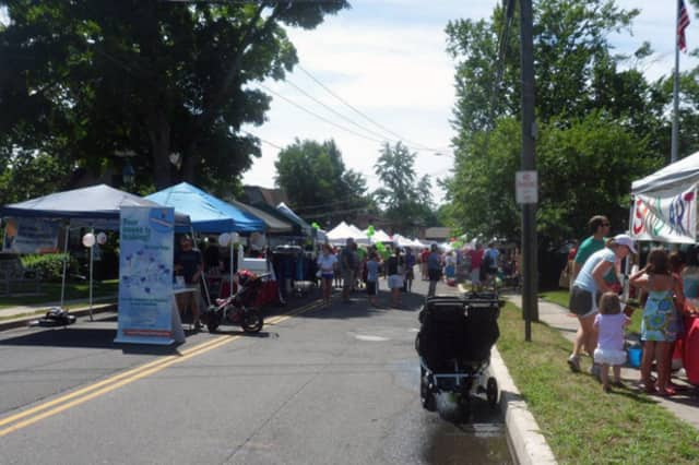 More than 70 merchants will line Old Ridgefield Road in Wilton Center this Saturday for the second annual Street Fair & Sidewalk Sale, hosted by the Wilton Chamber of Commerce.