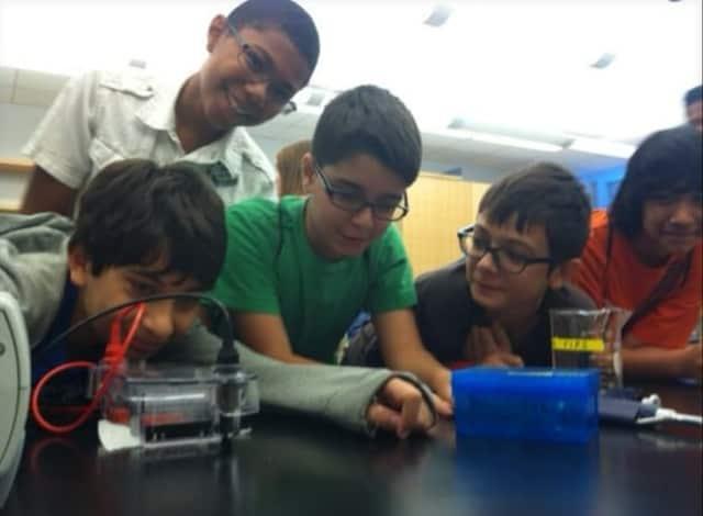 Program Helps Danbury Middle Schoolers Bridge The Gap